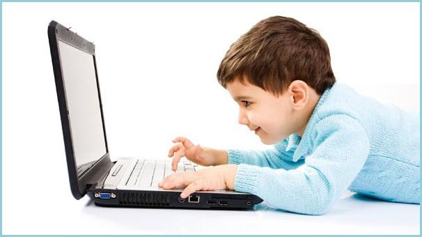 Ребёнку ноутбук очень нравится