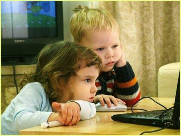 Прикольная фотография с детьми за компьютером