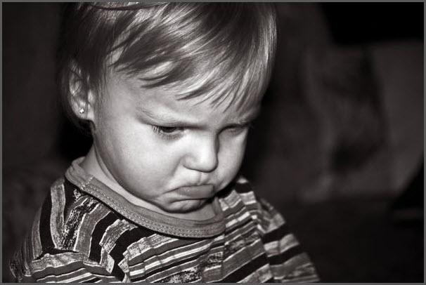 Закусил губу ребёнок