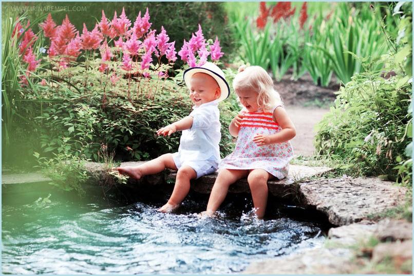 Дети на пруду