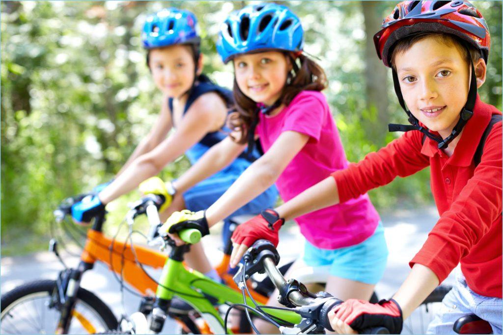 С друзьями на велосипедах