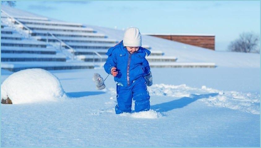 Фото с малышом в снегу