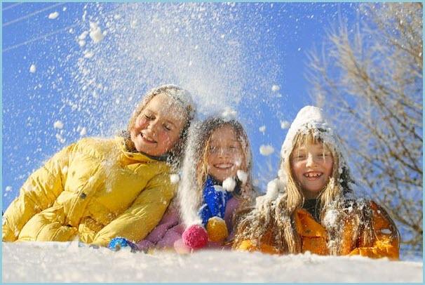 Три подружки все в снегу