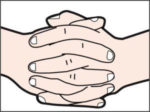 Скрещенные в замок пальцы