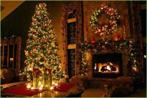 Рождественская ёлка в комнате