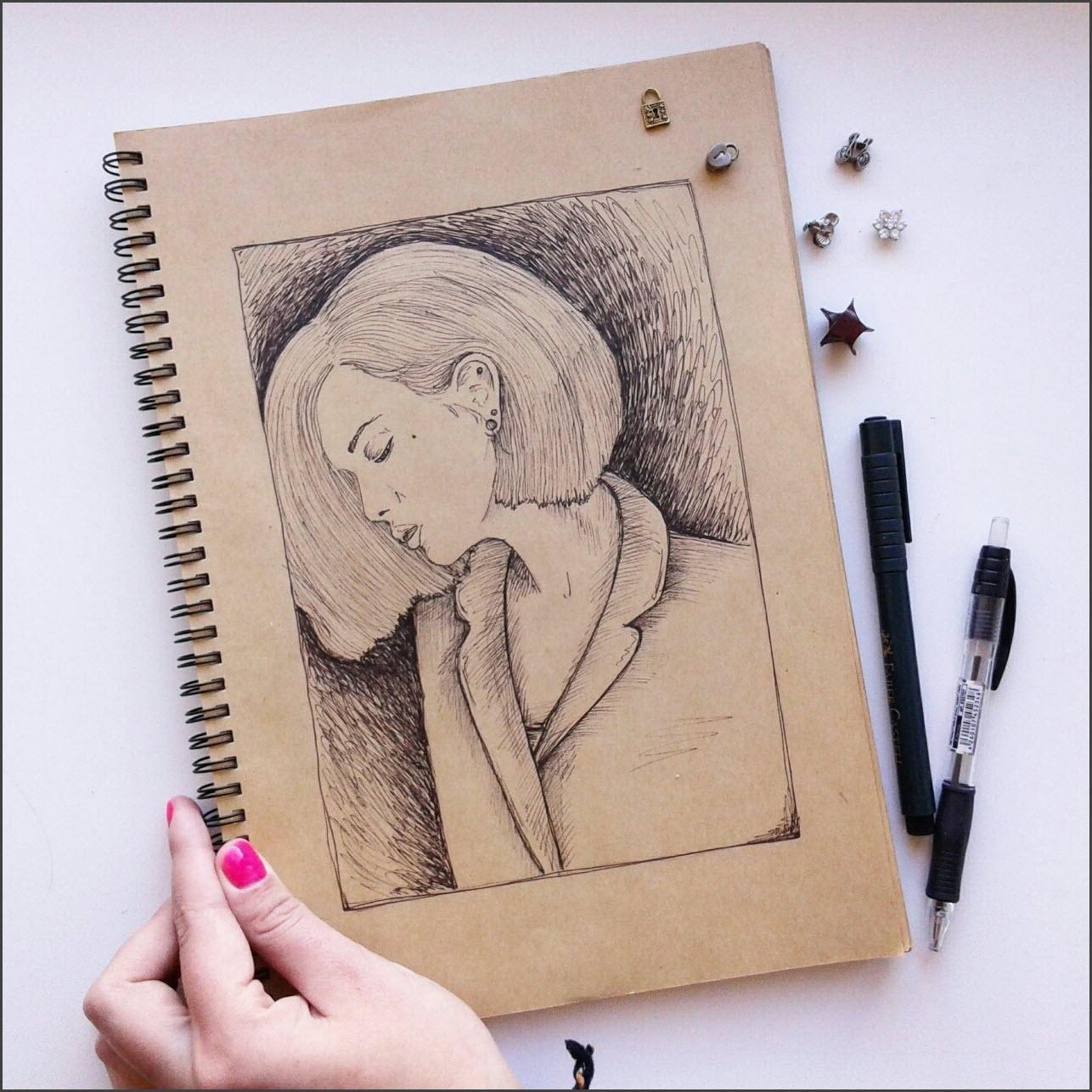 Скетчбук чёрной ручкой