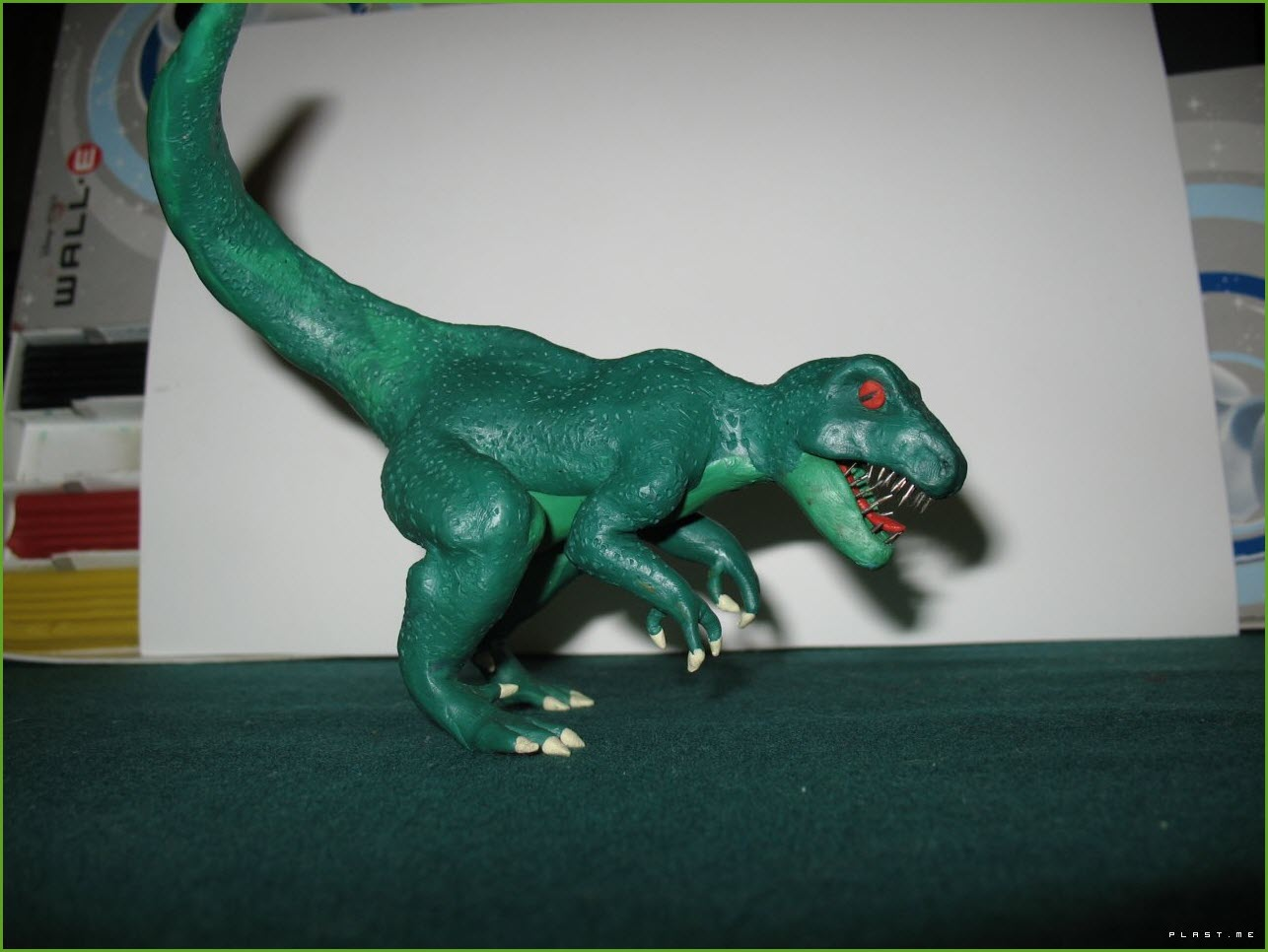 динозавр из пластилина 2