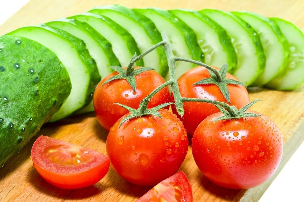 огурцы и помидоры фото