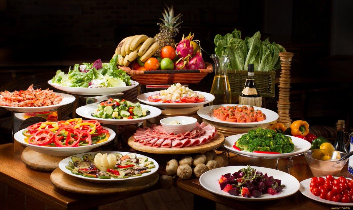 Фото стола с едой 37