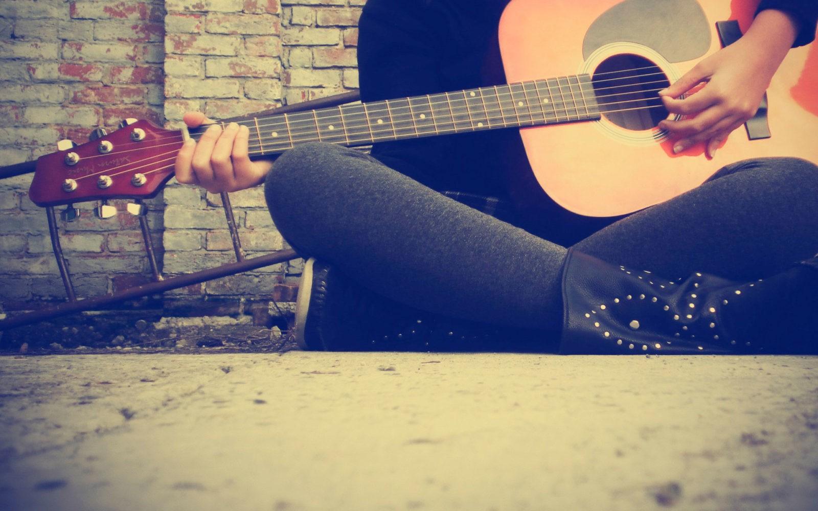 девушка с гитарой 5