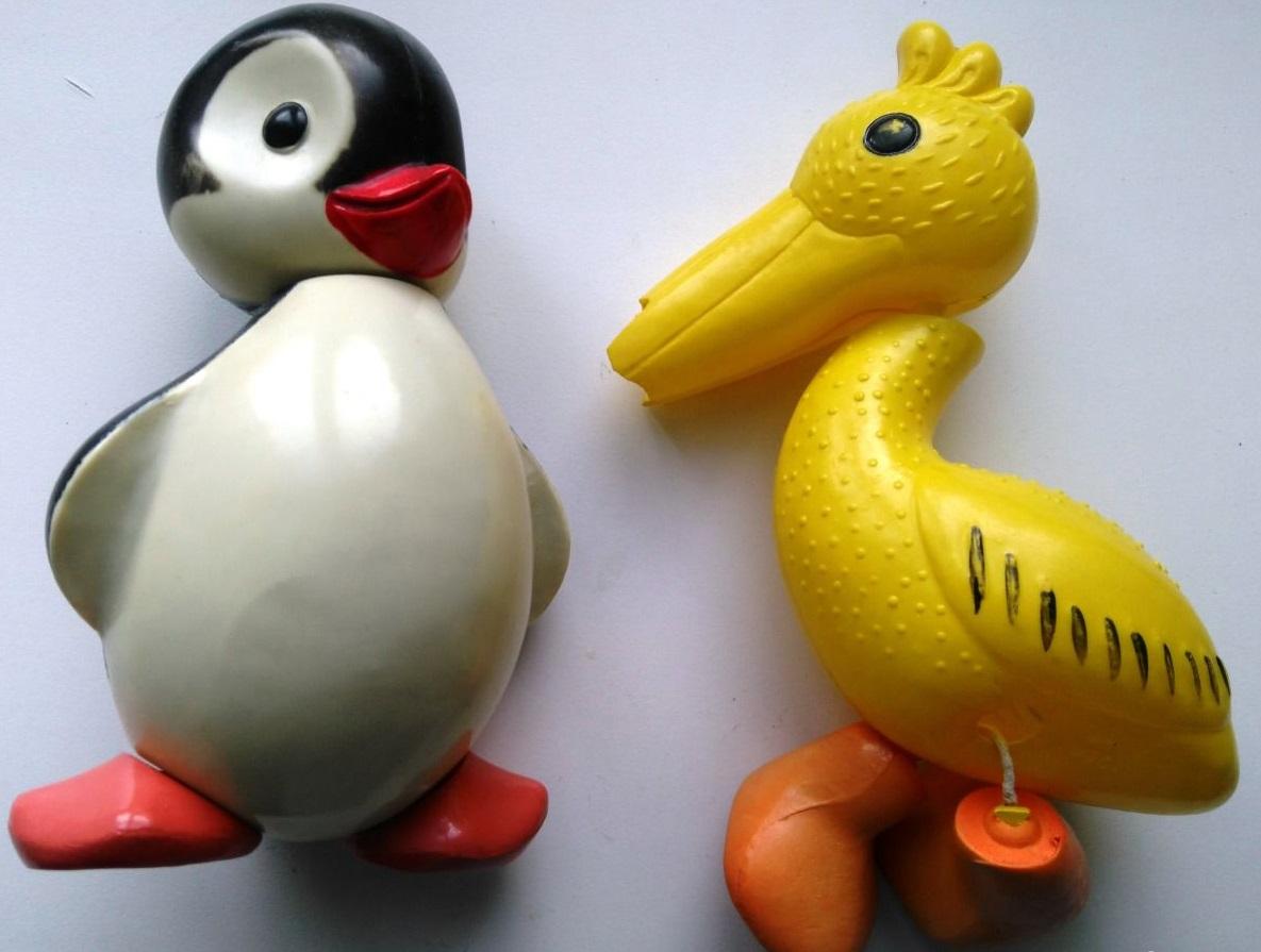 Игрушки пингвин и пеликан