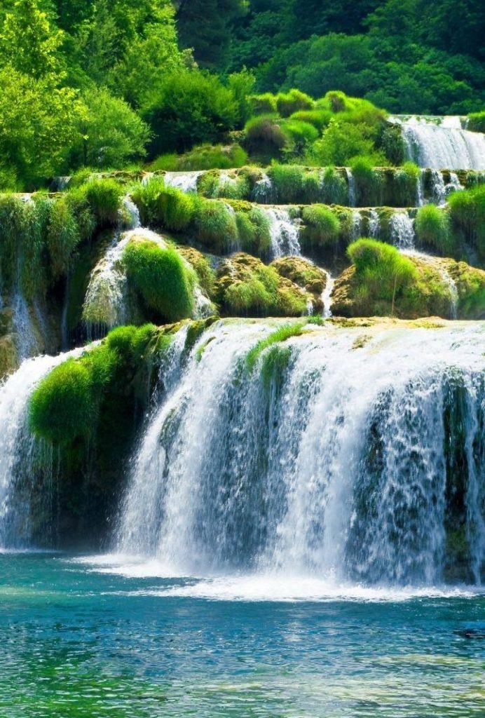 Обои водопад 70