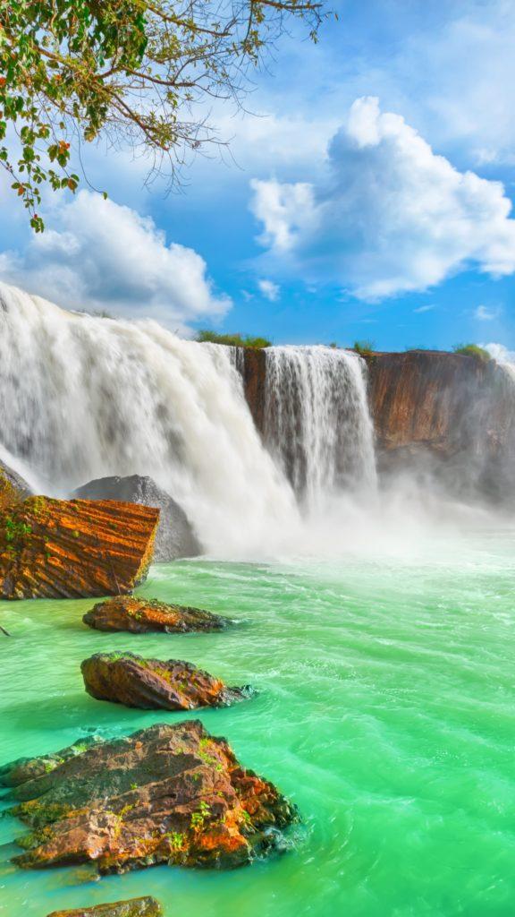 Вертикальные обои водопад 49