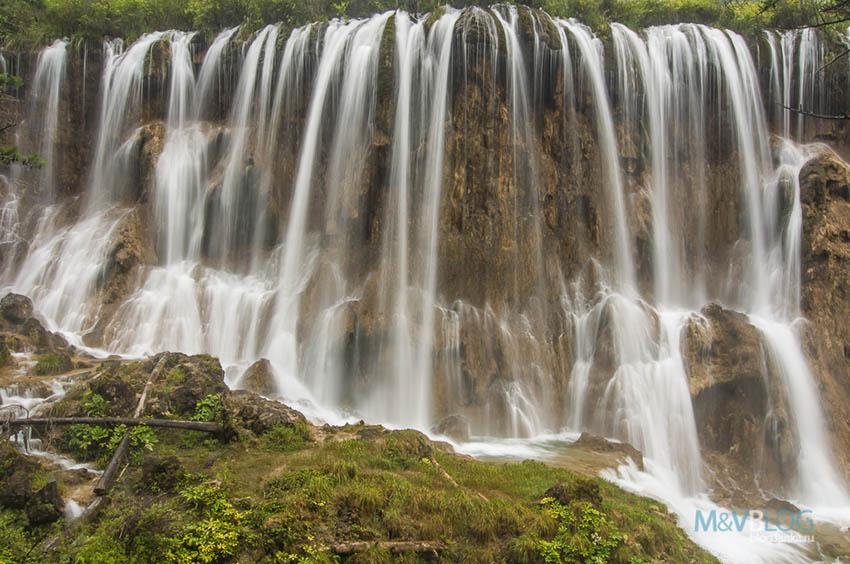 Водопад Нуорилан в Китае