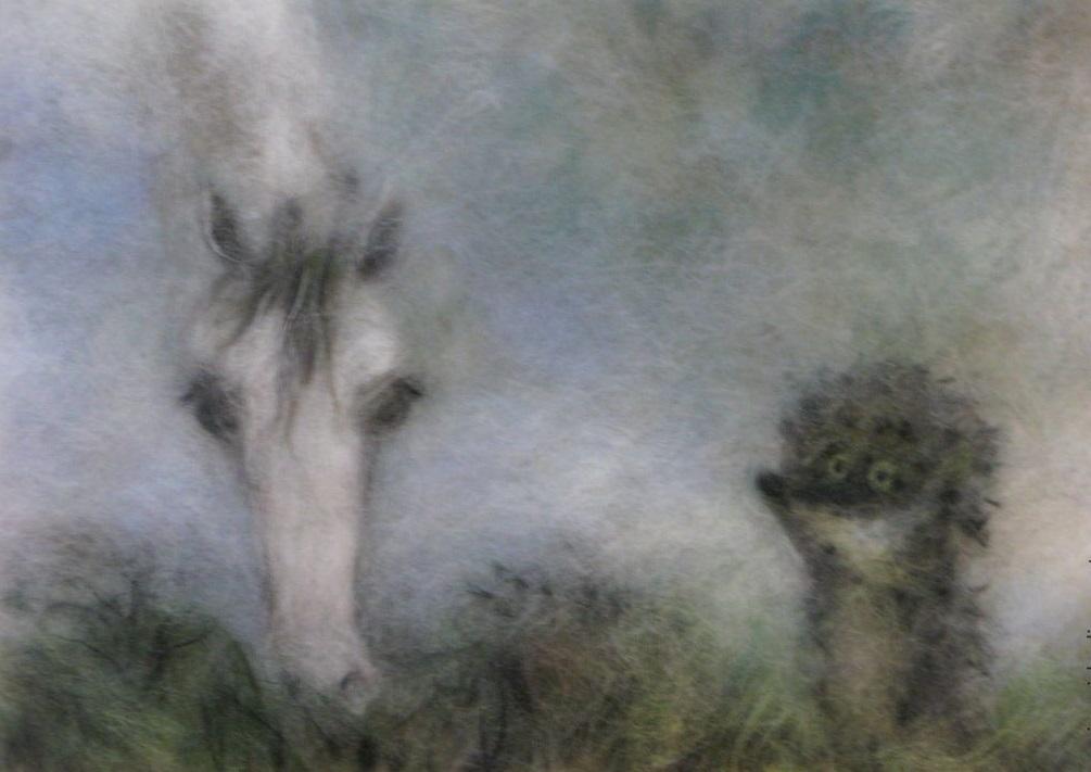 ёжик и лошадь белая